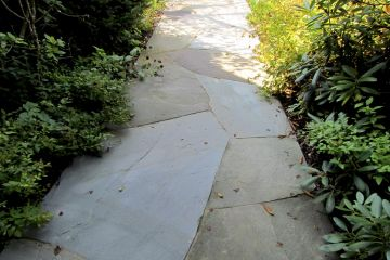 23-Irregular Bluestone Walkway